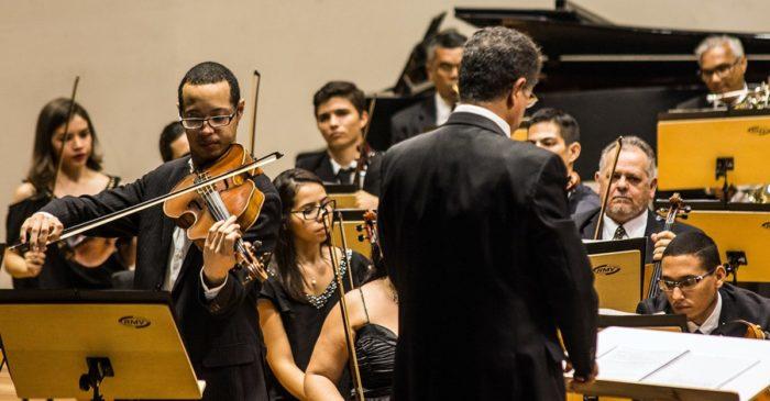 OSPB presenta concerto com regência do maestro paulista Lutero Rodrigues