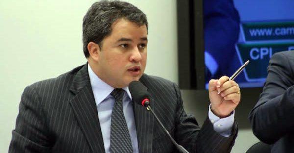 Efraim participa de Cerimônia de lançamento de plataforma digital para acordos planos econômicos