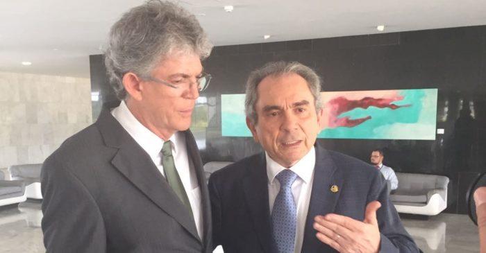 Senador do MDB revela deputados que apoiam governador na legenda