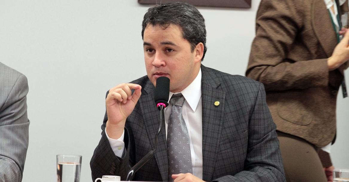 Efraim Filho trabalha para votar PEC da Vaquejada nos próximos dias