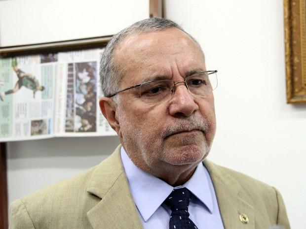 Carlos Batinga reassume mandato na Assembleia Legislativa
