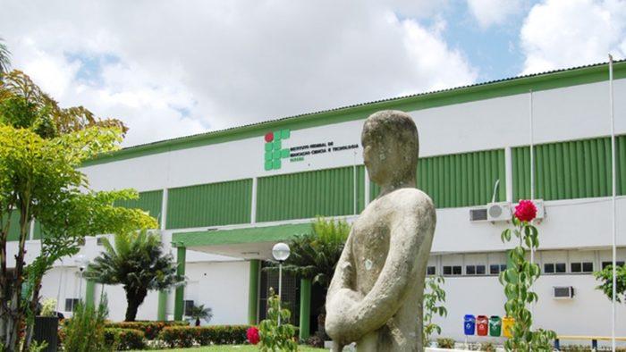 IFPB inscreve para 200 vagas no curso de Letras