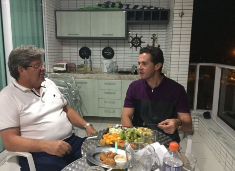 Veneziano e João Azevedo se encontram e cresce a especulação de uma participação do deputado na chapa do socialista