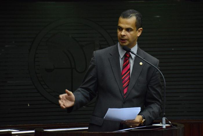 Jutay Meneses entrega Sejer a Luciano Cartaxo e deve voltar à ALPB