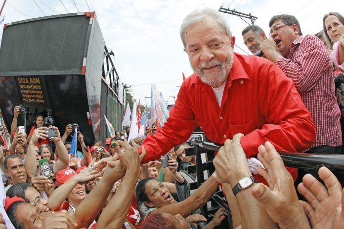 Resultado do julgamento de Lula no TRF4 não atrapalharia sua candidatura, diz Eurasia Group