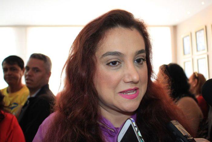 Olenka é substituída da suplência de Paulino por orientação do marketing de Maranhão
