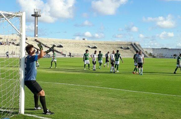 Com dois de Nando, Botafogo-PB vence o Serrano na estreia do Paraibano