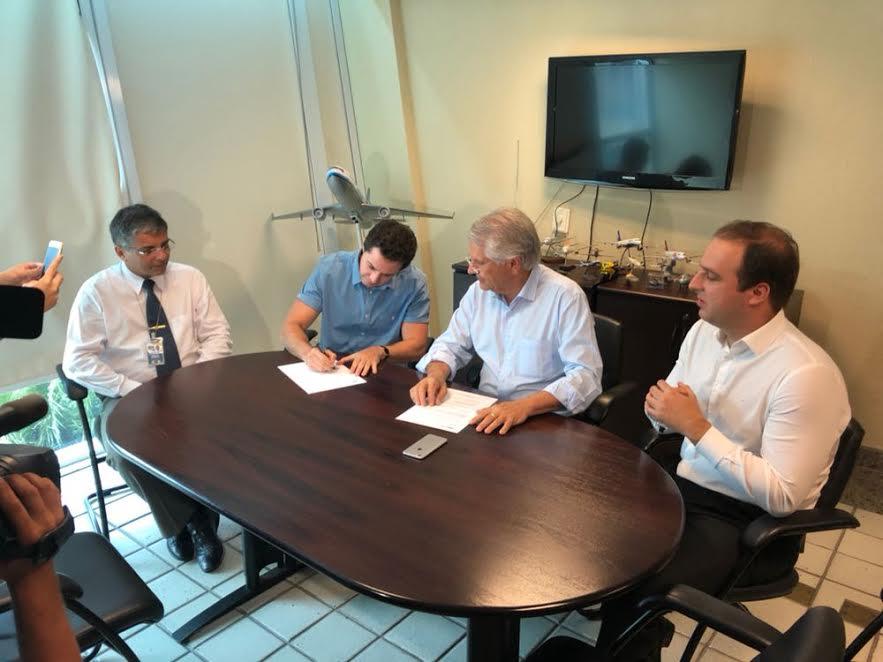 Veneziano comemora conquista de quase R$ 20 mi para Aeroportos de CG e JP