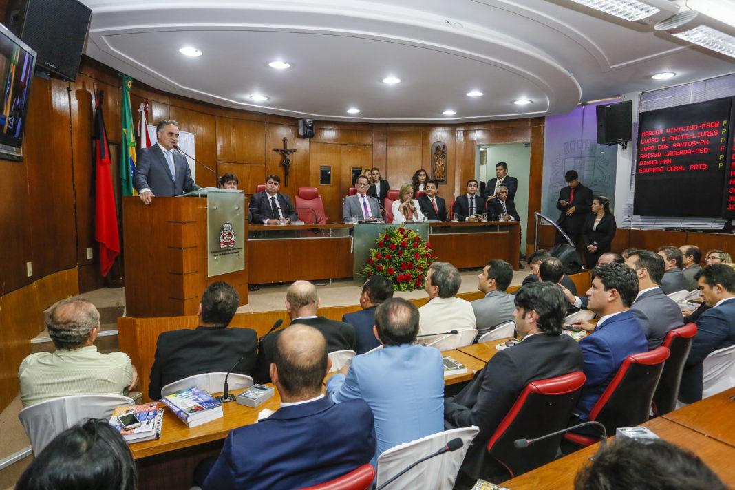 Durante abertura dos trabalhos na CMJP, Cartaxo lê mensagem e anuncia obras para 2018