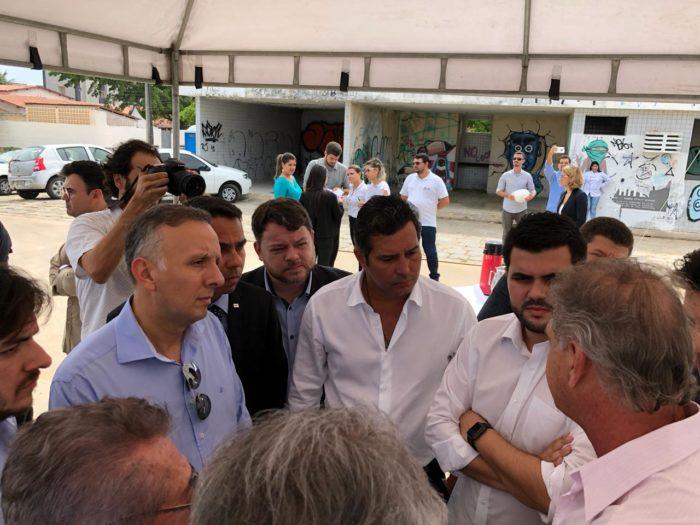 Líder do governo na Câmara, Aguinaldo Ribeiro acompanha visita de ministro à PB