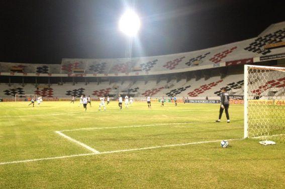 Santa Cruz passa fácil pelo Treze, que continua zerado na Copa do NE