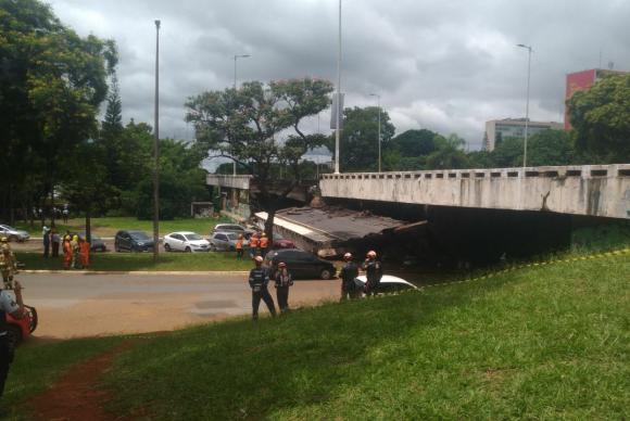 Parte de viaduto desaba em Brasília; não há informações sobre vítimas