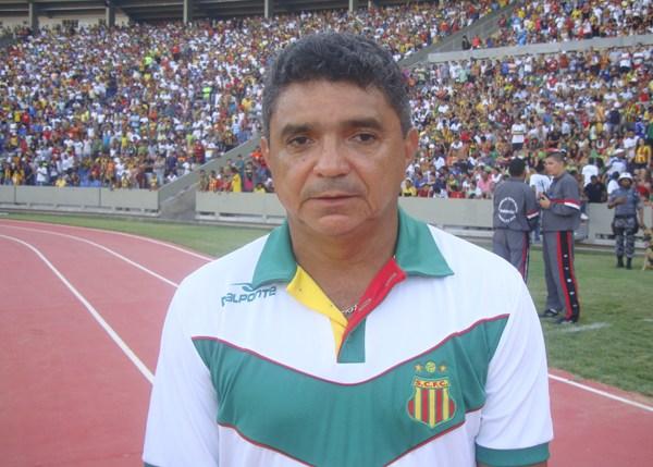 Diretoria do Treze age rápido e contrata ex-treinador do CSA após demissão de Oliveira Canindé