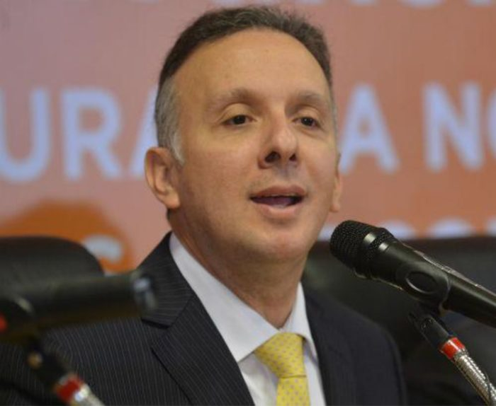 Ribeiro comemora inclusão de 50 cidades paraibanas no 'Minha Casa, Minha Vida Entidades'