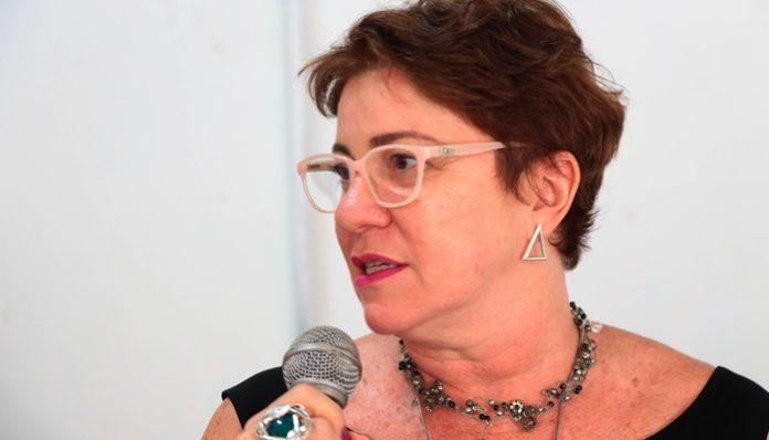 Prefeita de Conde garante reajuste do piso salarial dos professores