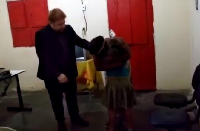 Vídeo mostra reencontro da menina Nicole com a mãe após 18 dias do sequestro