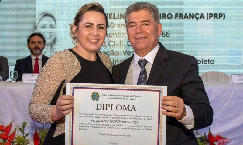 Esposa do prefeito de Cabedelo embolsa mais R$ 28 mil da Câmara de Vereadores