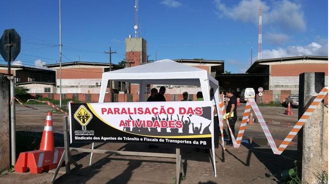 Agentes da Semob-JP paralisam atividades para reivindicar melhoria de salários