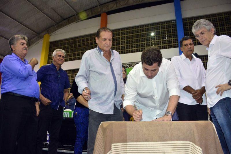 Deputados estaduais participam de plenária do Orçamento Democrático em Mamanguape