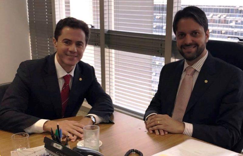 Veneziano se reúne com Ministro das Cidades, faz novos pleitos e agradece obras para Campina