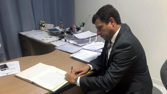 Prefeito de Cabedelo suspende salários de Leto Viana e envolvidos na Xeque-Mate