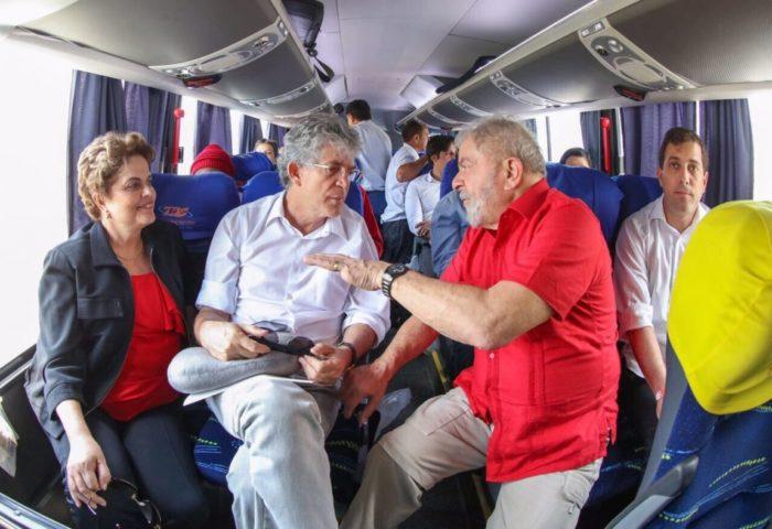 Ricardo embarca nesta segunda em voo de carreira para visitar ex-presidente Lula em Curitiba