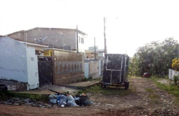 Moradores denunciam acúmulo de lixo no Jardim Cidade Universitária
