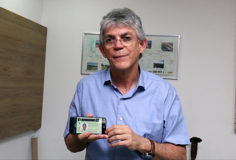 Ricardo lança CNH digital e documento começa a ser emitido a partir desta sexta-feira