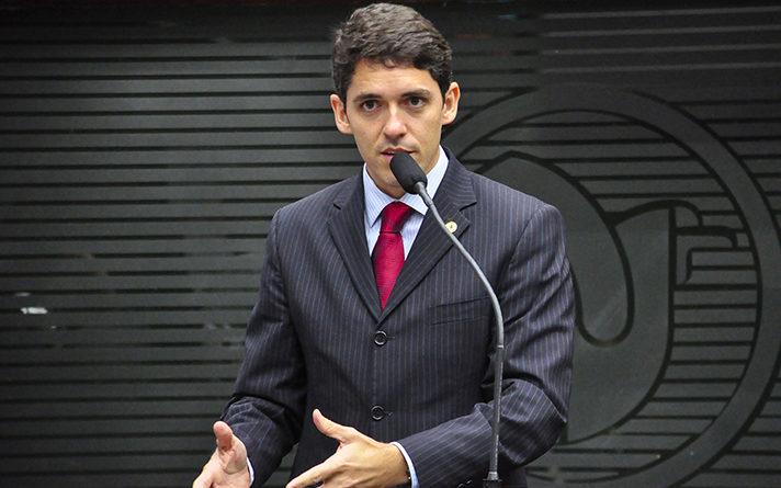 Tovar Correia Lima reassume titularidade de cargo na ALPB; Eliza volta à CMJP