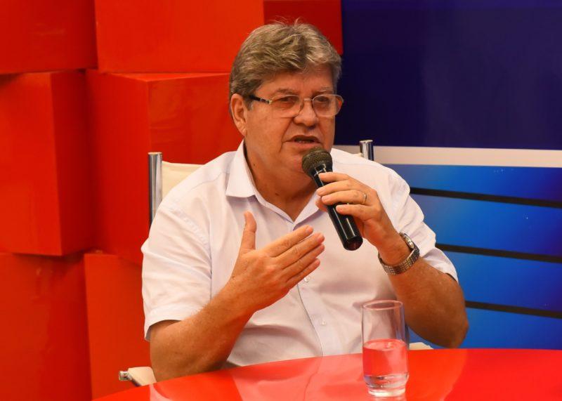 Para administrar a PB é preciso mais experiência do que organizar bloco de carnaval, diz João sobre Lucélio