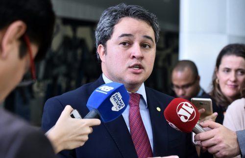 Efraim Filho consegue R$ 250 mil para o Hospital da FAP em CG