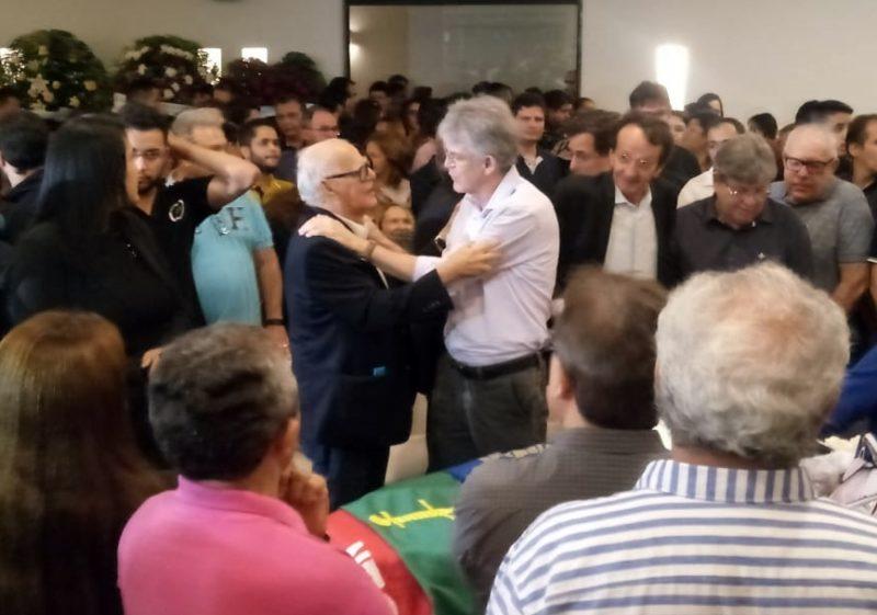 Ricardo participa do velório de Rômulo em CG e lembra da última fez que falou com o deputado