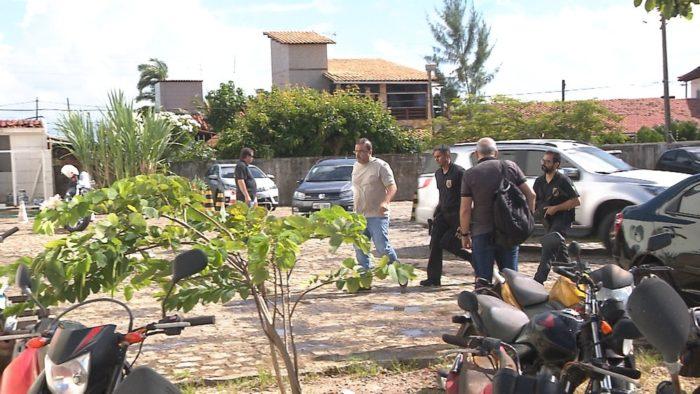 Delator da Lava Jato preso em JP durante operação deixa sede da PF