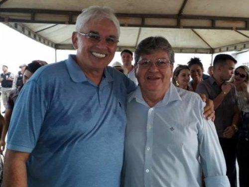 Democratas Nome de Efraim é apoiado para a vice de João até por prefeitos do PDT e PSDnome do ex-senador Efraim Morais para vice de João Azevêdo