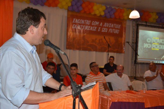 Em Cajazeiras, Gervásio se reúne com juventude e debate conjuntura política e econômica do país