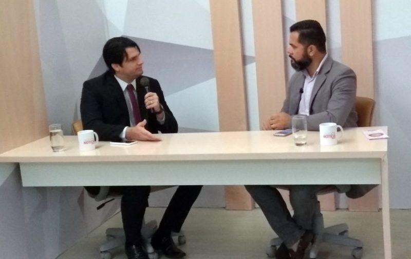 """Líder da oposição na CMJP diz que vereadores da base """"ignoram"""" Lucélio em eventos"""