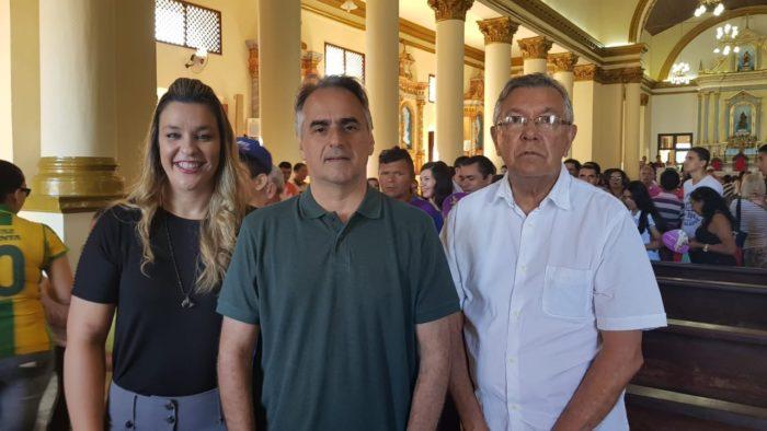 Ao lado de Camila e Zenóbio Toscano, Lucélio participa de evento religioso em Guarabira