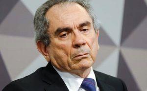 """Veneziano chama Lira de """"deselegante"""" e diz que denúncia sobre filha Maranhão é inverídica"""