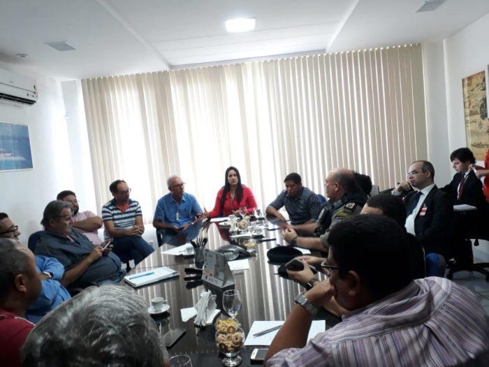 Governo do Estado promoveu reunião para discutir liberação dos combustíveis em Cabedelo