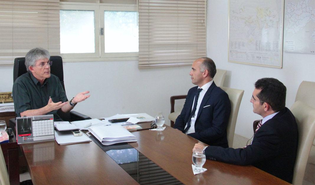 Governador discute políticas públicas para a reinserção de ex-presidiários na sociedade