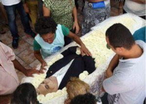 Corpo de Rômulo Gouveia é velado na Câmara de CG; enterro será nesta segunda-feira