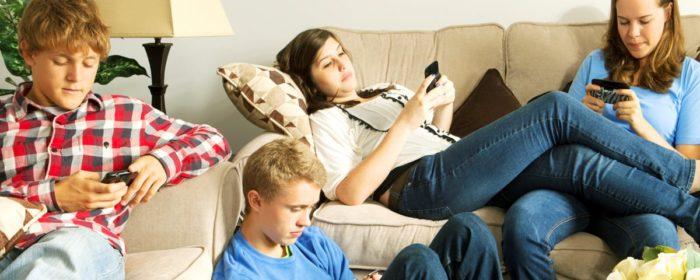 Preferida pelos adolescentes, YouTube deixa Facebook para trás entre jovens