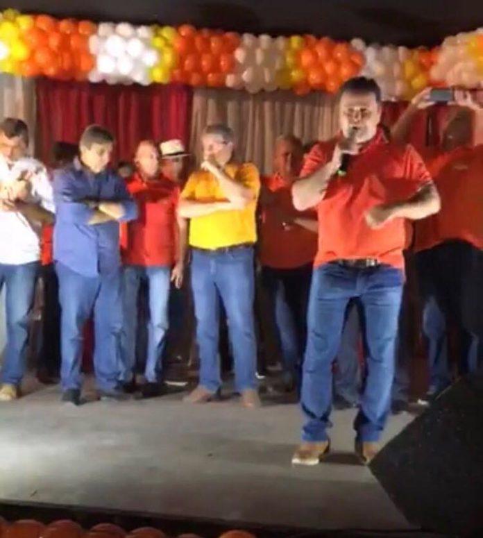 Pré-candidato a deputado estadual, Aledson Moura é protagonista em encontro do PSB