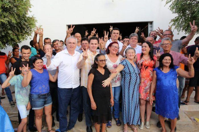 João e Veneziano são recebidos por lideranças de oposição em Diamante