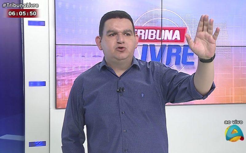 Radialista Fabiano Gomes anuncia seu desligamento do Sistema Arapuan