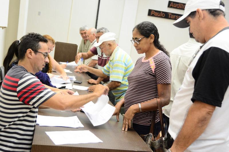 Ambulantes assinam termo de compromisso para participar do São João em JP