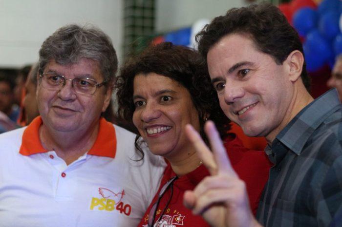 Durante encontro em Cabedelo, prefeito da cidade anuncia apoio a João e Veneziano