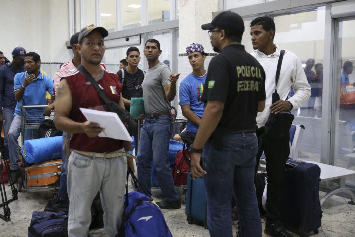 João Pessoa recebe 71 refugiados venezuelanos vindos de Roraima nesta terça-feira