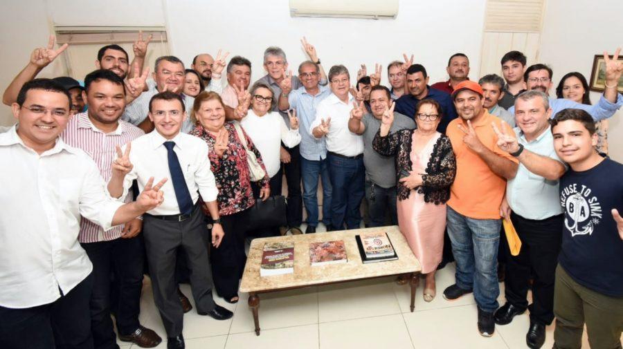 Novos reforços: filiado ao PP, prefeito de Araruna e todo seu grupo político aderem à pré-candidatura de João