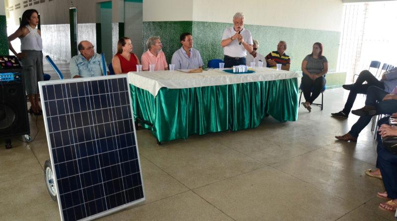 Escola estadual de Sousa é pioneira e inaugura sistema solar para fornecimento de energia